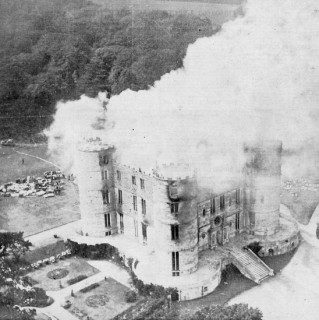 A photograph from 'a Daily Mirror aeroplane' of the fire at its height