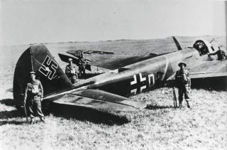 A shot-down Nazi plane in Weymouth in the war