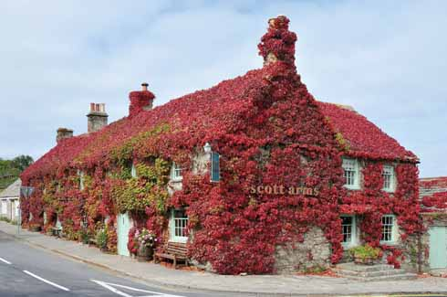 The Scott Arms, with its majestic autumn coat of Virginia creeper, is named for Kingston's pre-eminent citizens, the Scotts. John Scott, the first Earl of Eldon, was the longest-ever serving Lord Chancellor, holding the role for twenty-six years.