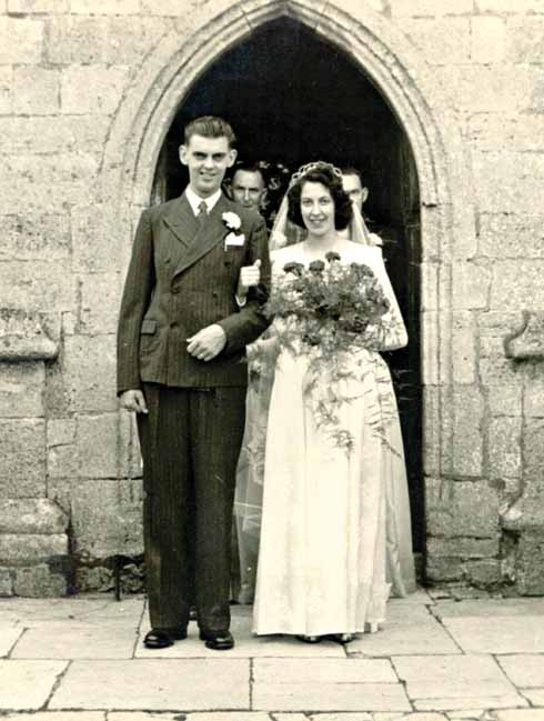 Ray and Joan on their wedding day in 1948