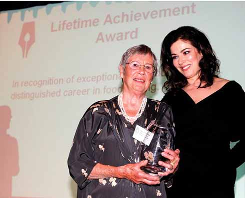 Anna with one of her biggest fans, Nigella Lawson, presenting Anna with the Guild of Food Writers Lifetime Achievement Award, in recognition of her contribution to Italian cookery