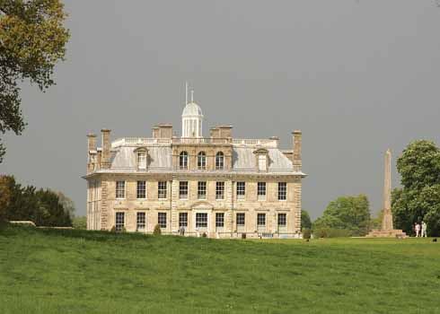 ❱ One gets a true idea of the size of the obelisk at Kingston Lacy from this side shot, with people and the house at similar distances for scale