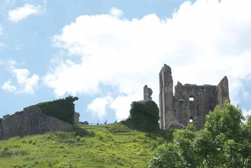 Was the carpenter Durundus, who worked on Corfe Castle, a Mowlem ancestor?