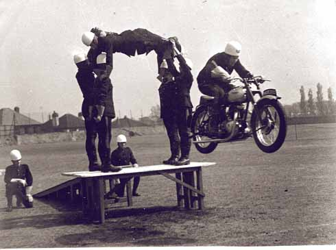 ❱ A vintage shot of the display team before the days of risk assessment