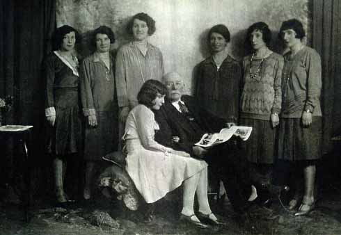 A later shot of the Gilday family; the two youngest sisters – Norah and Evelyn – are, respectively, seated and at the far right of the picture