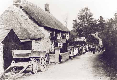 Village children in the street in Corscombe in 1905, about a decade before Treves visited