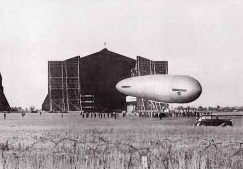 Bournemouth spied at Cardington, moved out of her hangar by a large ground-crew prior to making a take-off