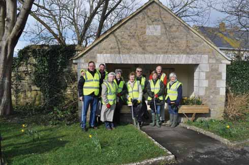 Burton Bradstock's village volunteers cleaned for the Queen in the Spring