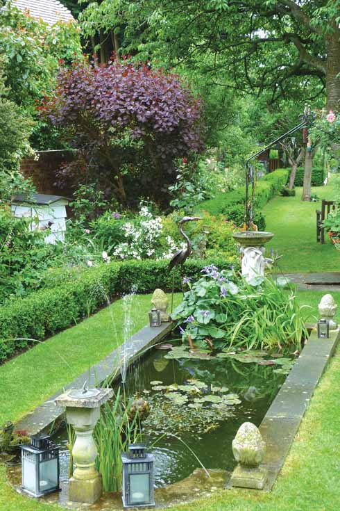 The fountain and pond at Eastway House